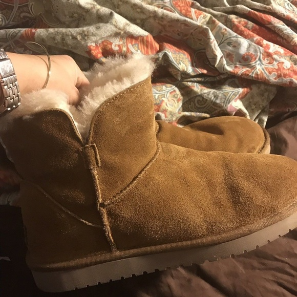51f57ab77d9 UGG Koolaburra Short Ladies boots Size 10